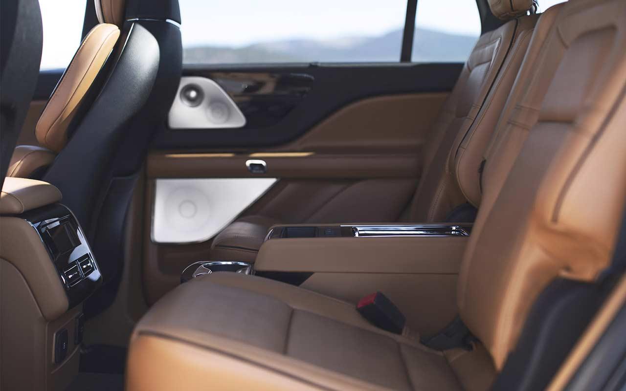 2020-Lincoln-Aviator-Interior_6