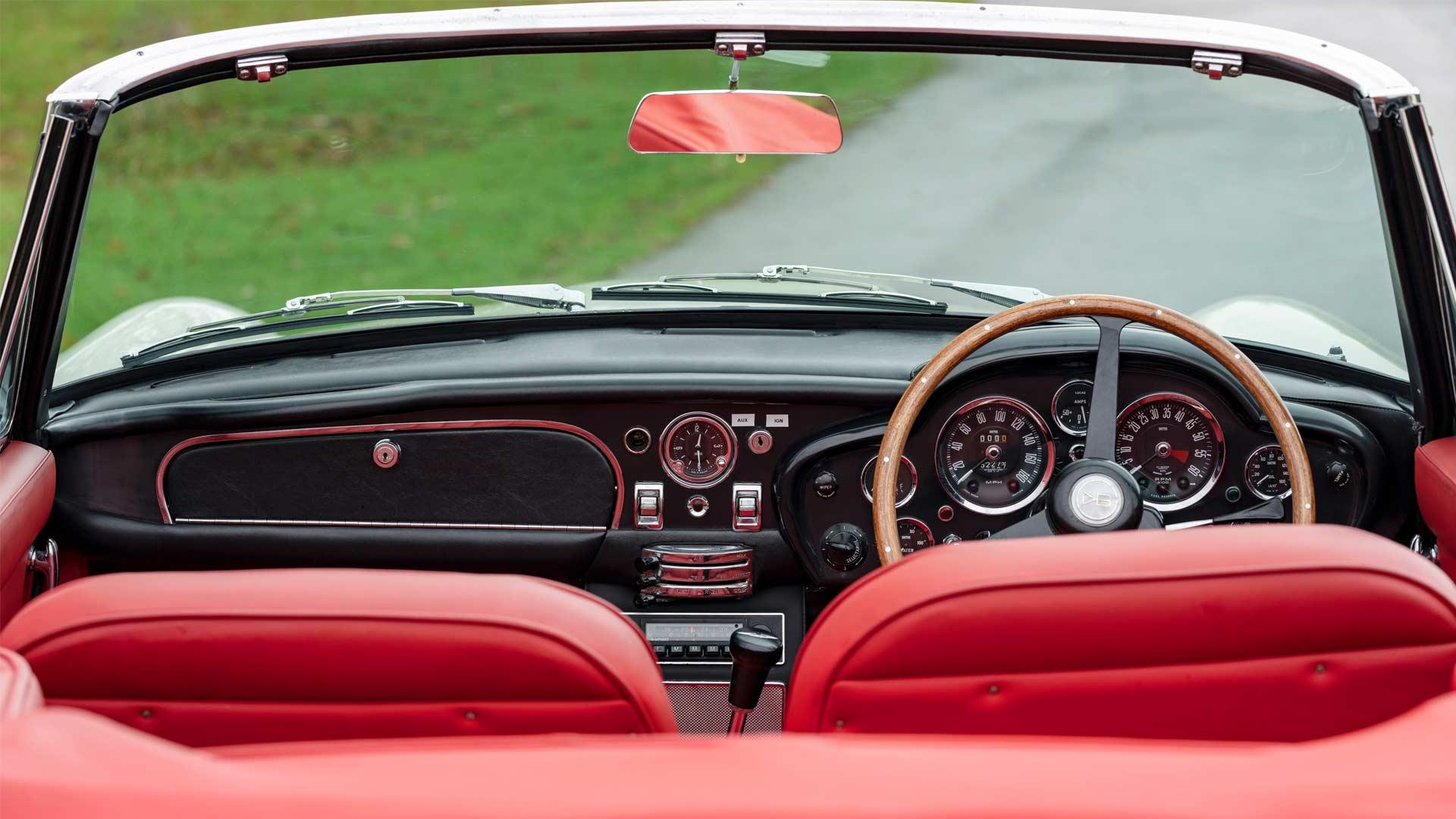 Aston-Martin-1970 DB6 MkII Volante-Interior-EV-Conversion