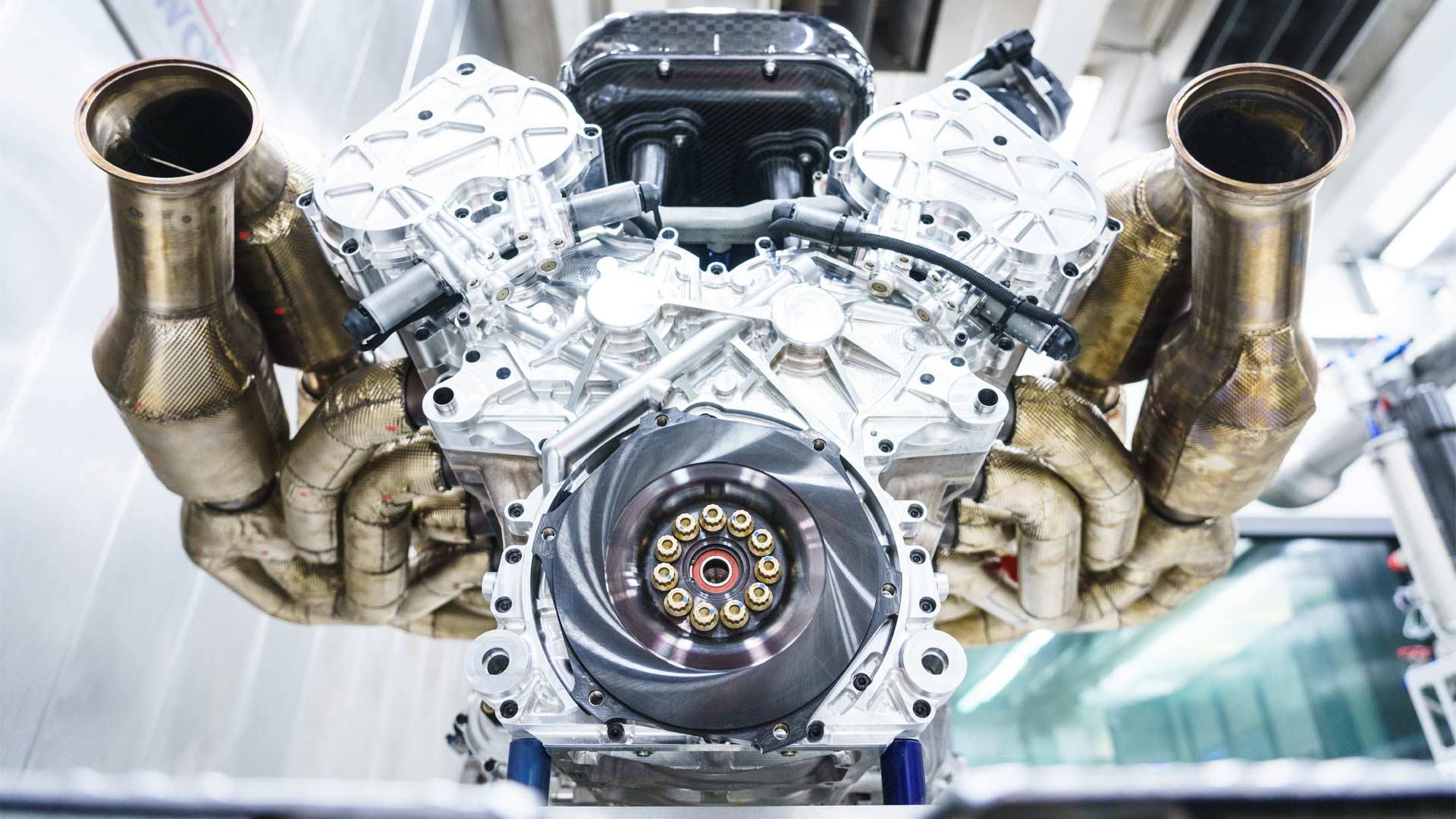 Aston-Martin-Valkyrie-V12-Engine-Cosworth