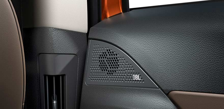 Tata-Harrier-Interior-JBL