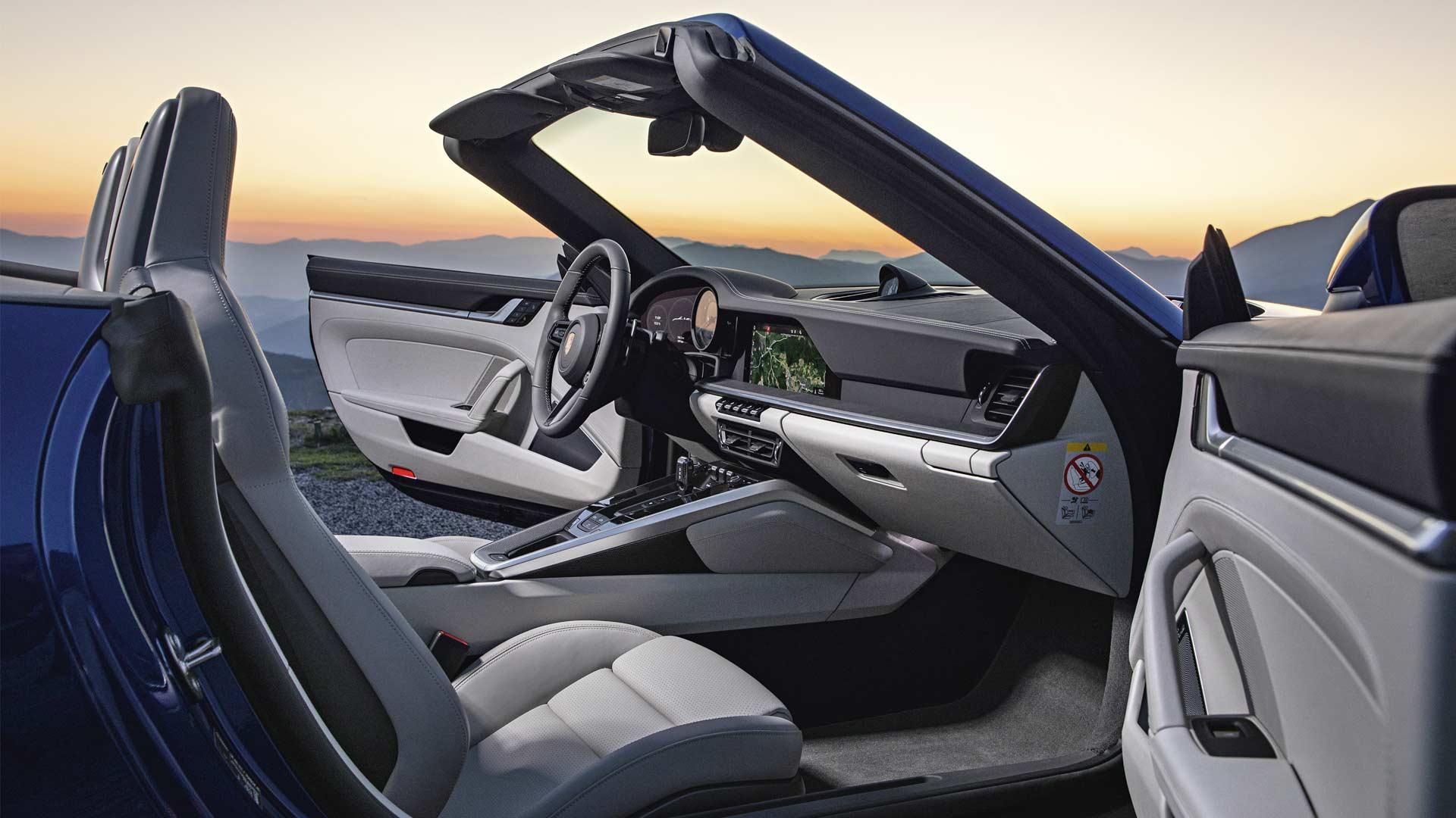 2020-911-Carrera-4S-Cabriolet-Interior