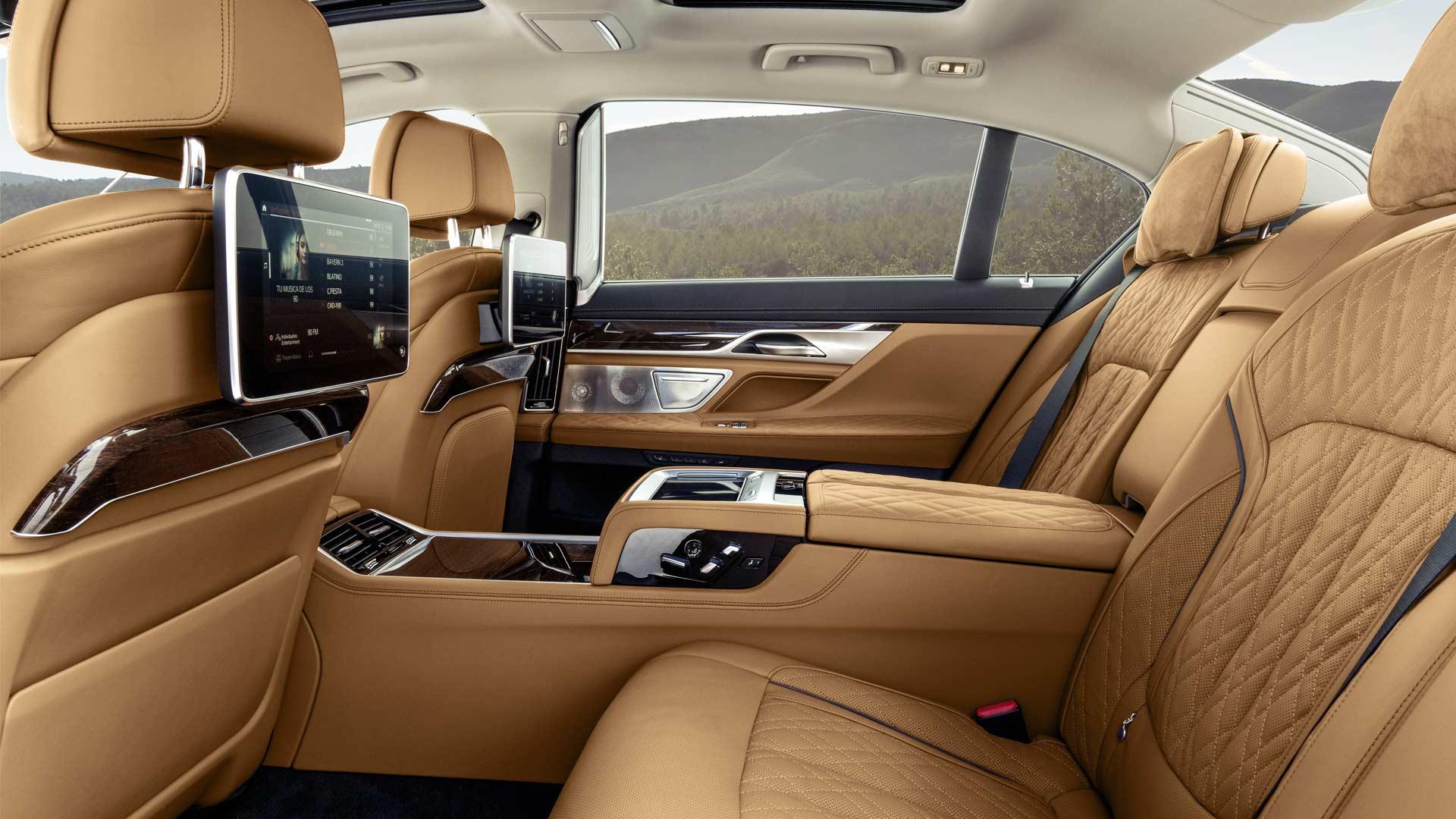 2020-BMW-7-Series-Interior_5