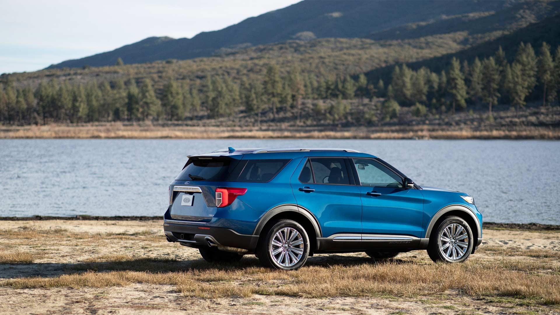 2020-Ford-Explorer-Hybrid_2