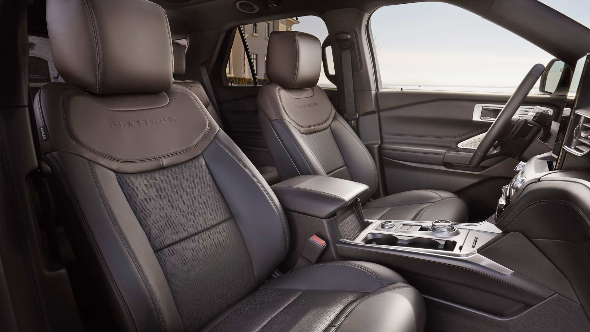2020-Ford-Explorer-Interior_3