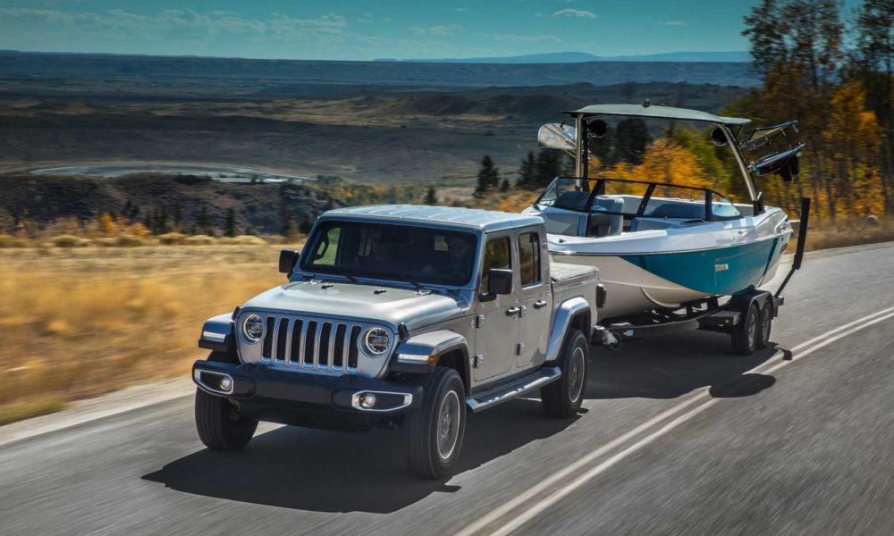 2020-Jeep-Gladiator-Overland_2