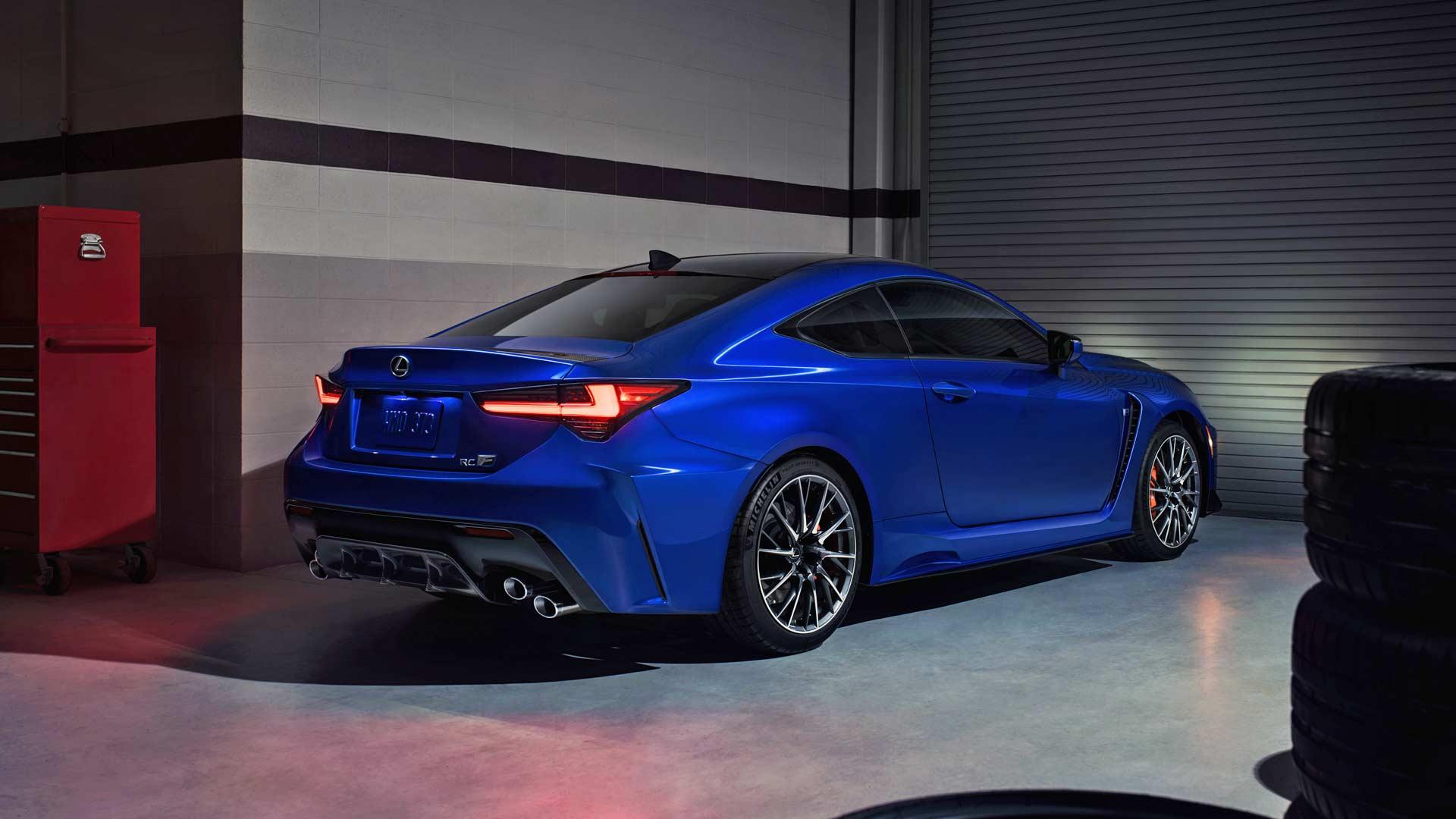 2020-Lexus-RC-F_2