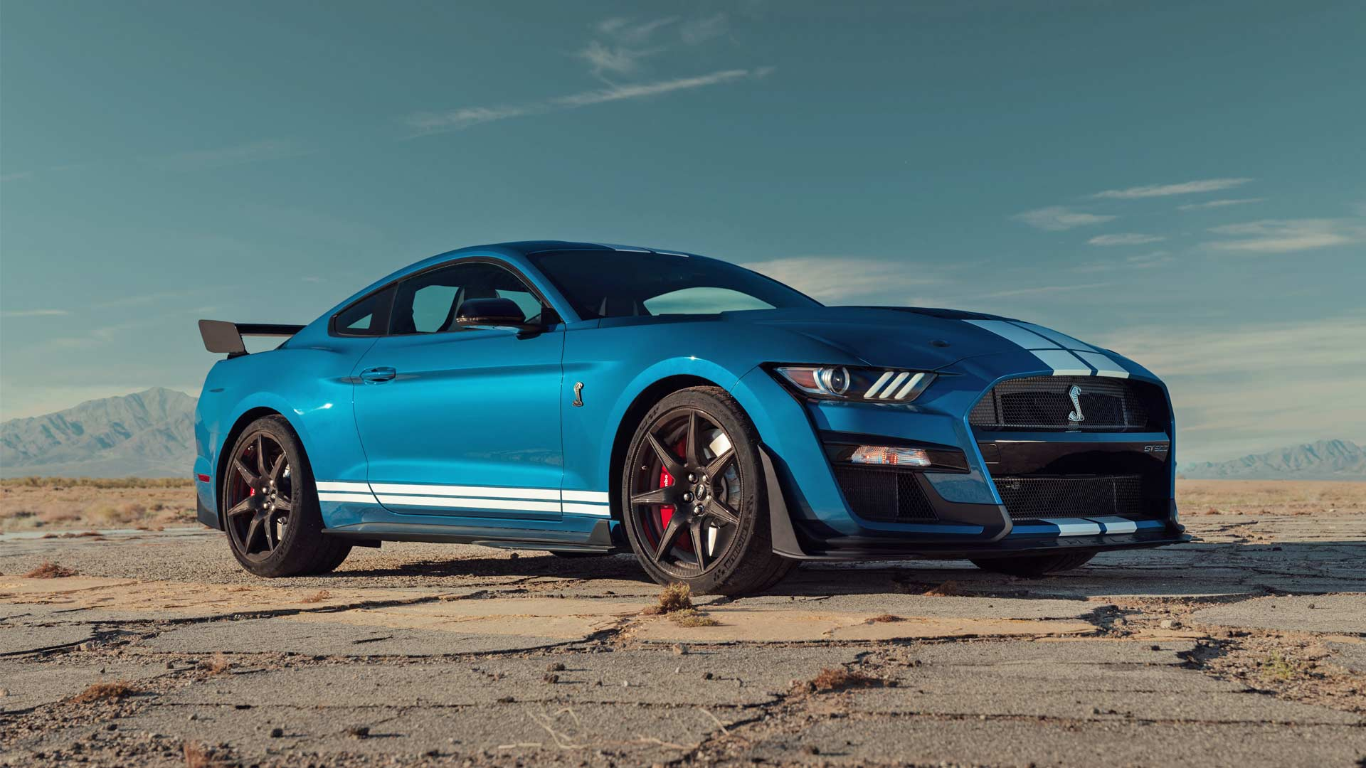 shelby gt    powerful street legal ford  autodevot