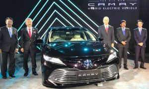 8th-generation-Toyota-Camry-Hybrid-launch-India-2019