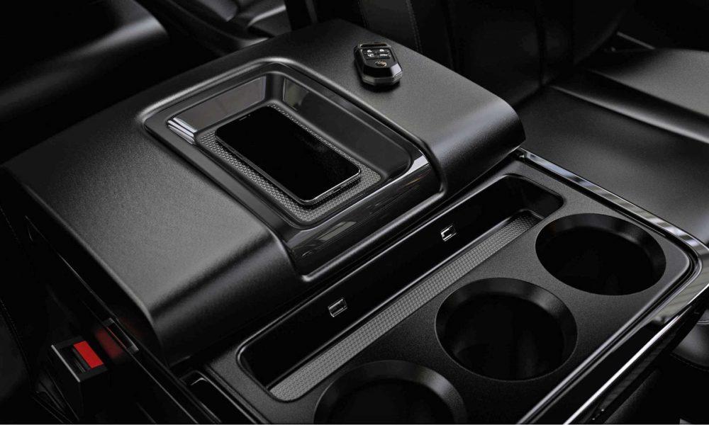 Atlis-XT-Electric-Pickup-Truck-Interior_3