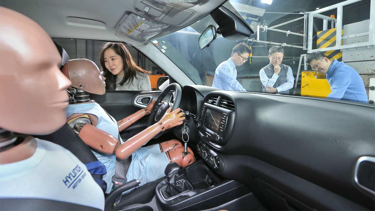 Hyundai-multi-collision-airbag-system_2
