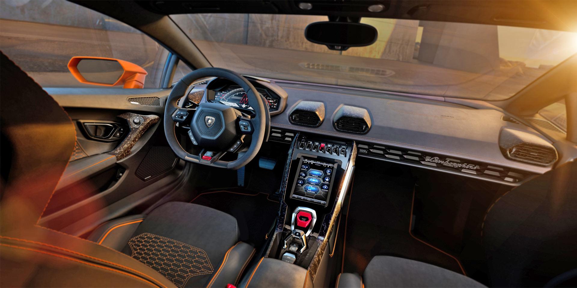 Lamborghini-Huracán-EVO-Interior