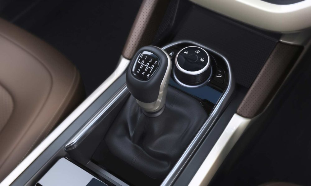 Tata-Harrier-Interior-gear-lever