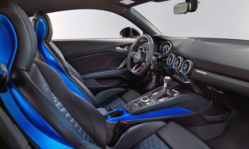 2019-Audi-TT-RS-Coupé-Interior_3