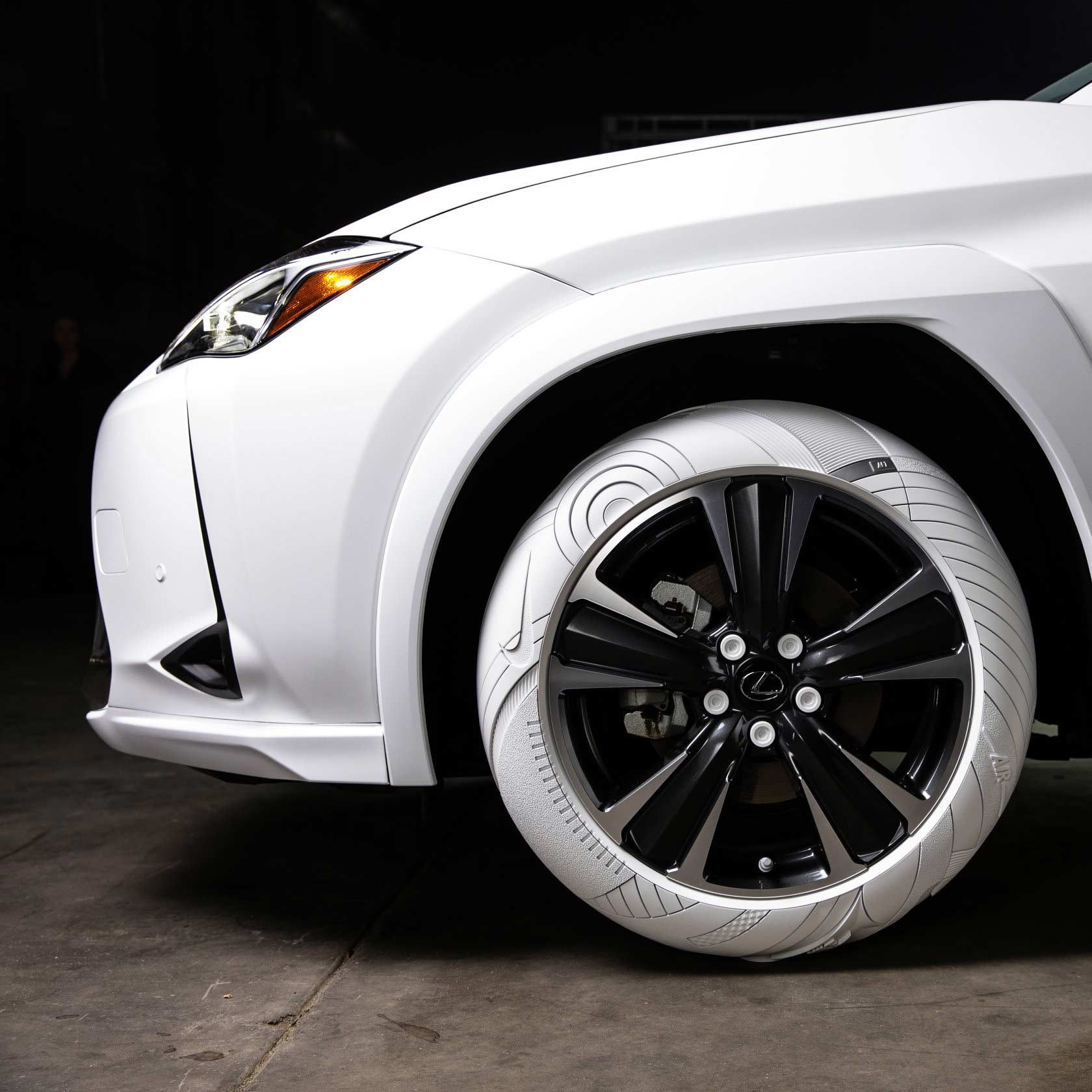 2019-Lexus-UX-Sole-of-the-UX-John-Elliott-Nike-AF1-shoe-inspired-tires_3