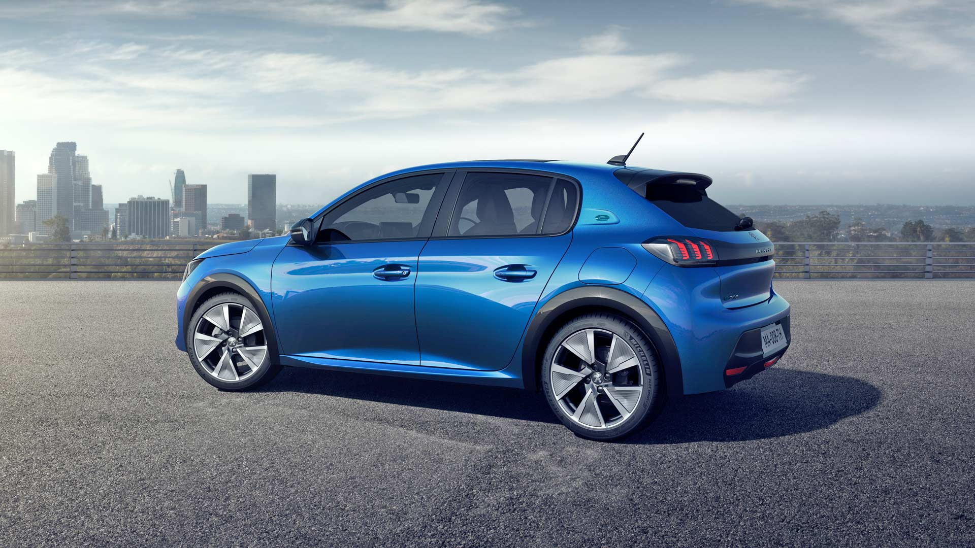 2019-Peugeot-e208-GT_2