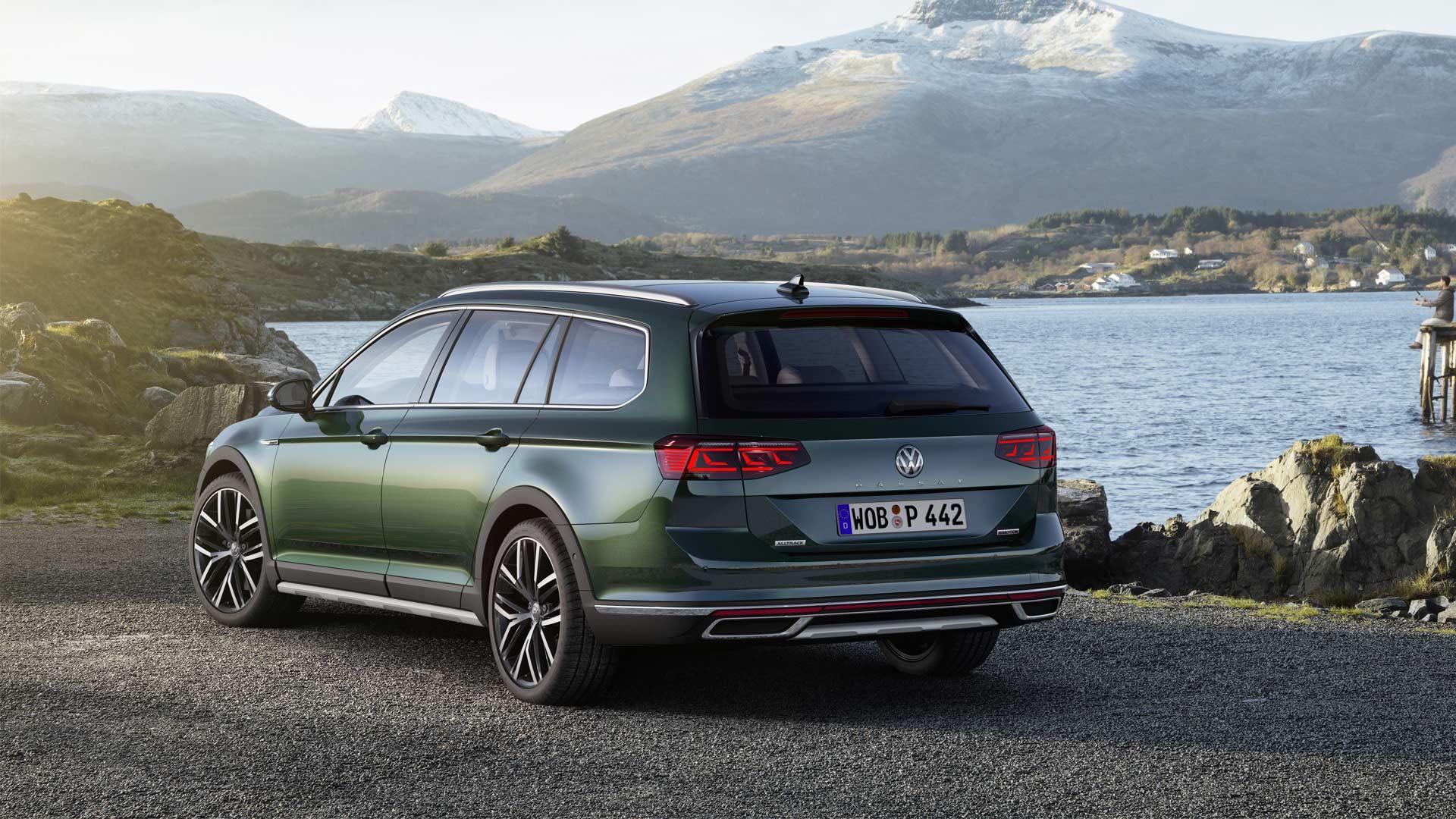 2019-Volkswagen-Passat-Alltrack_2