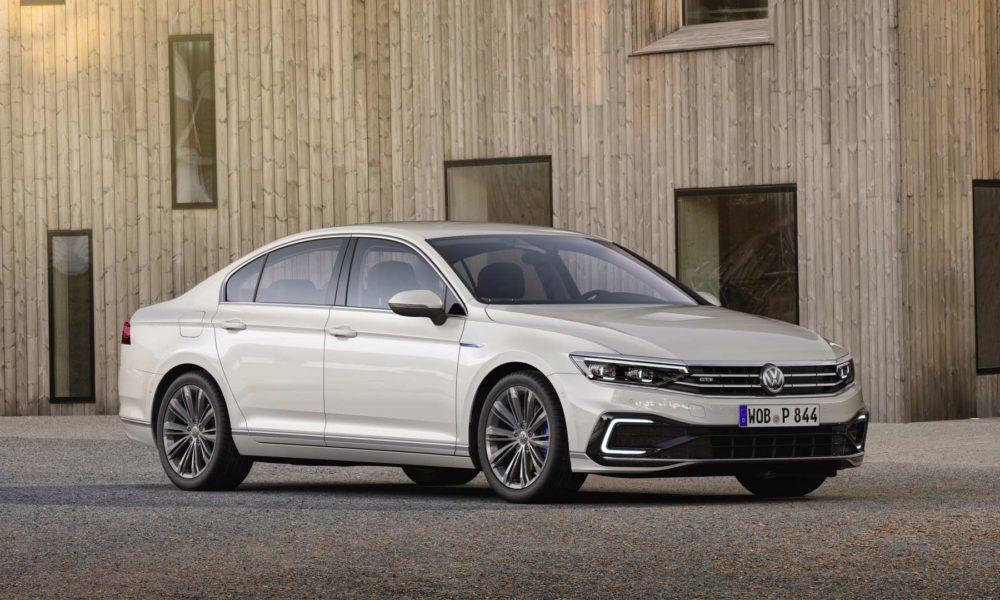 2019-Volkswagen-Passat-GTE