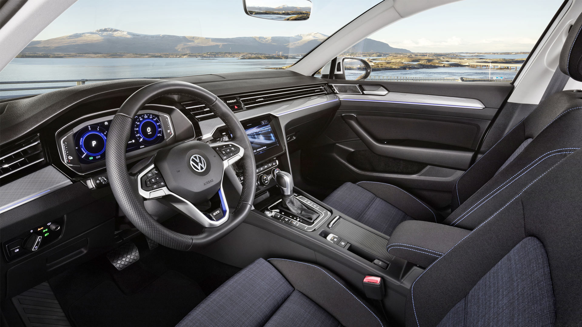 2019-Volkswagen-Passat-GTE-Interior