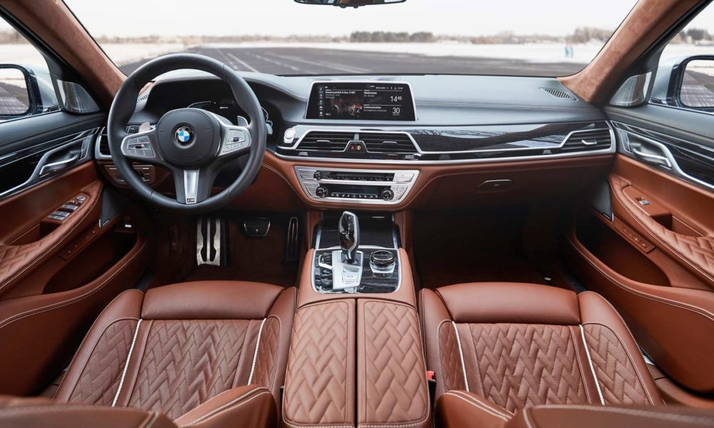 2020-BMW-745le-Plug-In-Hybrid-Interior
