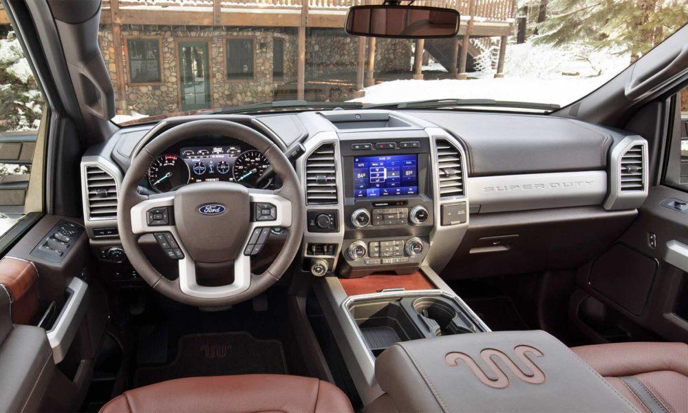 2020-Ford-F-250-King-Ranch-Interior_2