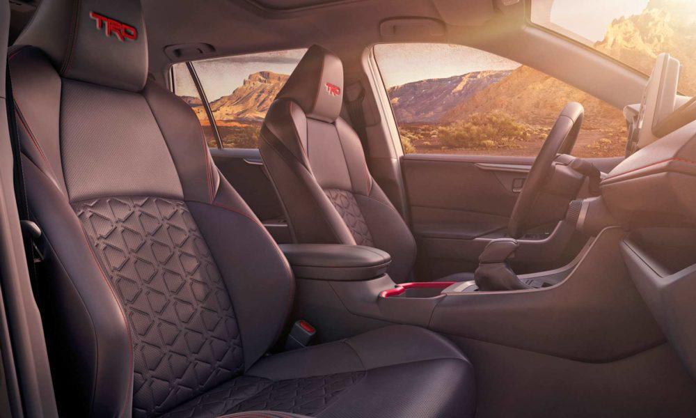 2020-Toyota-RAV4-Off-Road-Interior_2