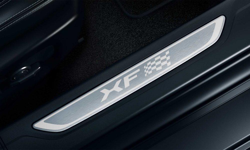 Jaguar-XF-Chequered-Flag-special-edition-Interior