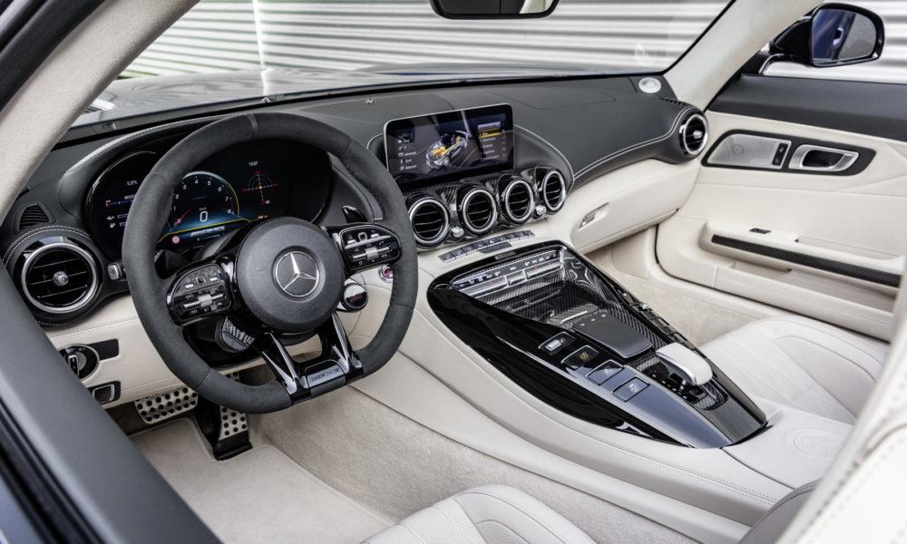2019-Mercedes-AMG-GT-R-Roadster-Interior