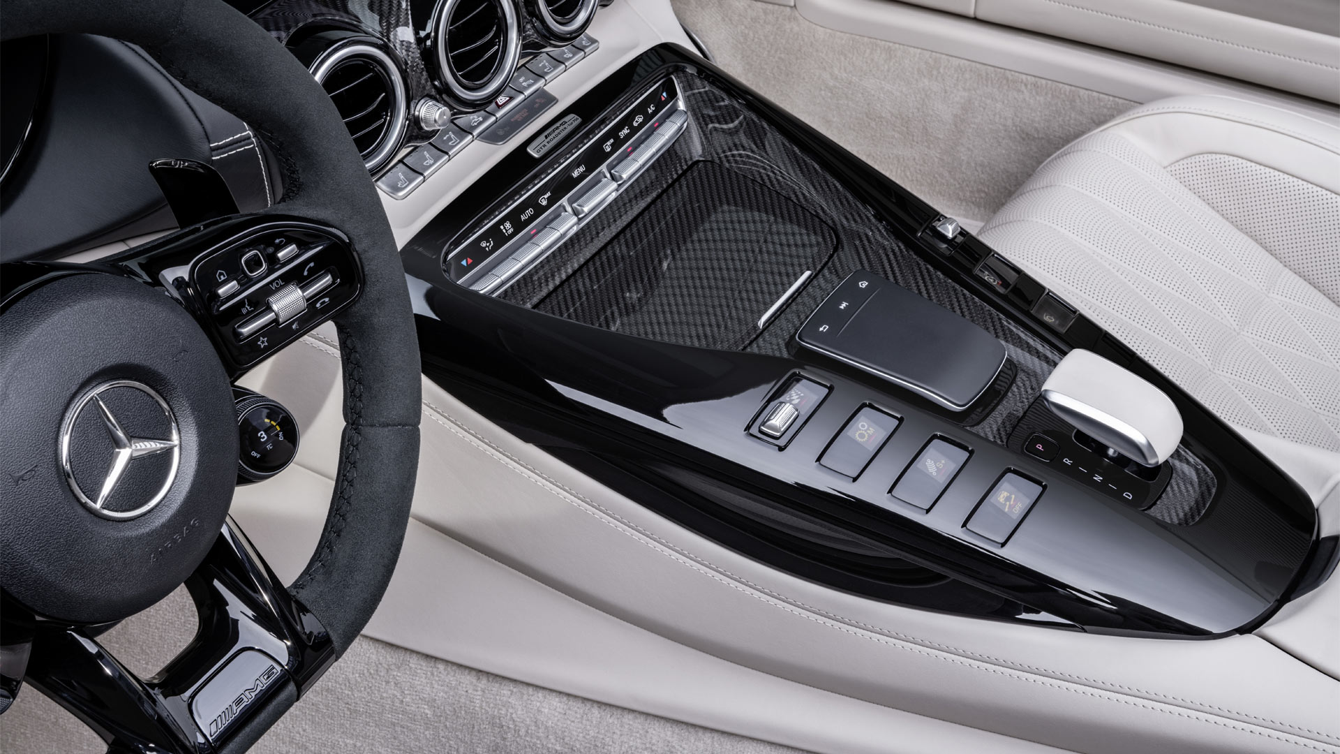 2019-Mercedes-AMG-GT-R-Roadster-Interior-Centre-Console