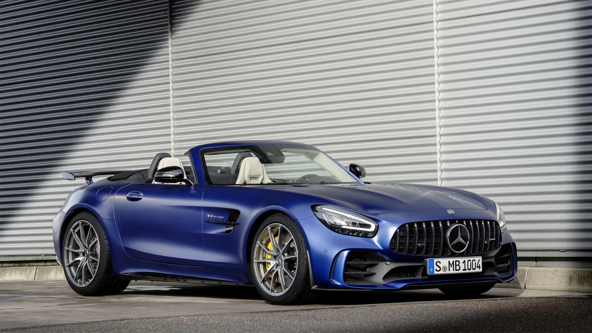 2019-Mercedes-AMG-GT-R-Roadster_4