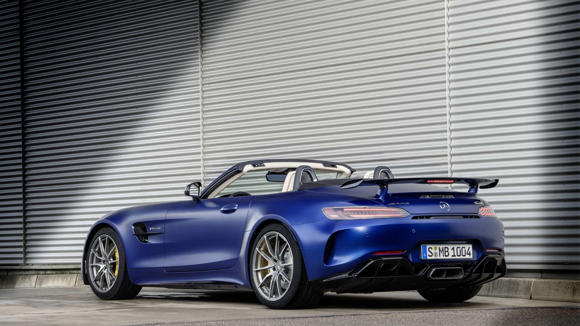 2019-Mercedes-AMG-GT-R-Roadster_5