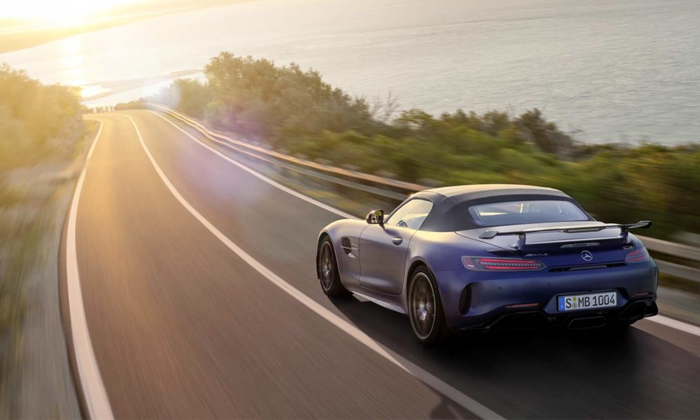 2019-Mercedes-AMG-GT-R-Roadster_9