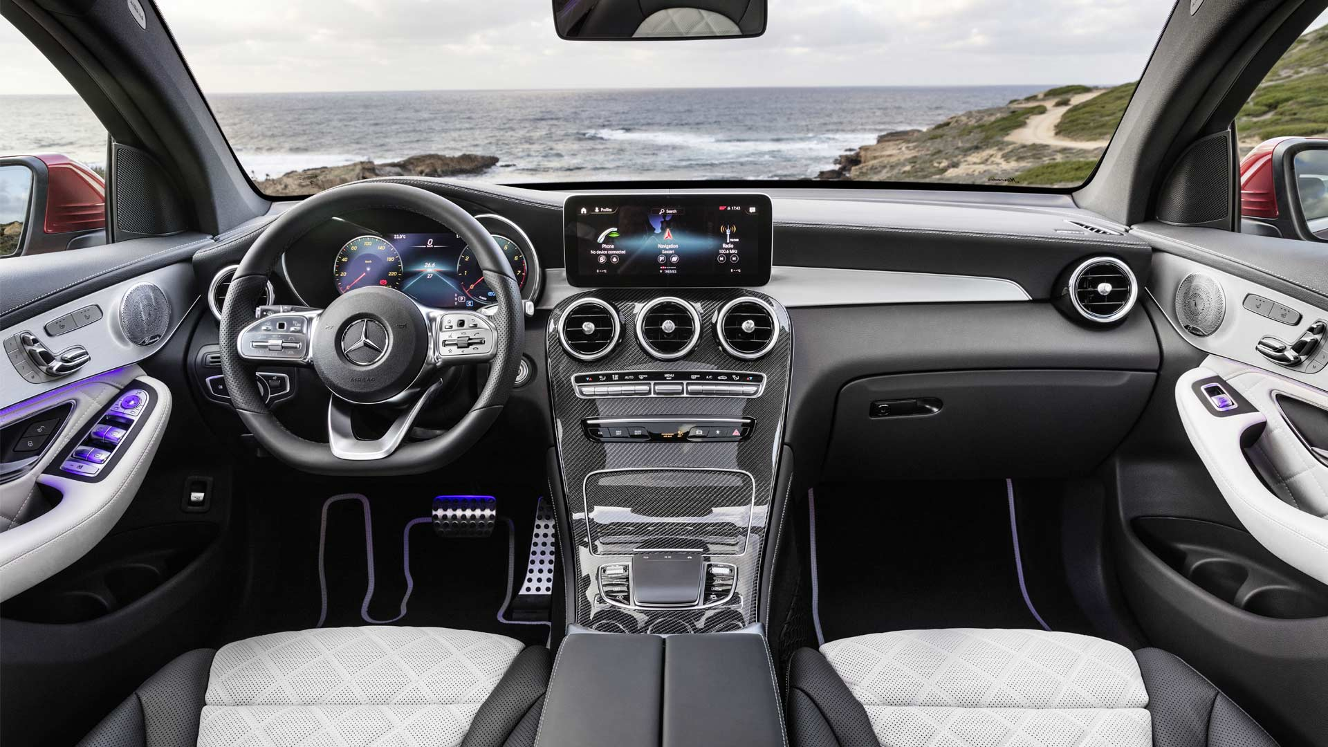 2020-Mercedes-Benz-GLC-Coupé-Interior_2