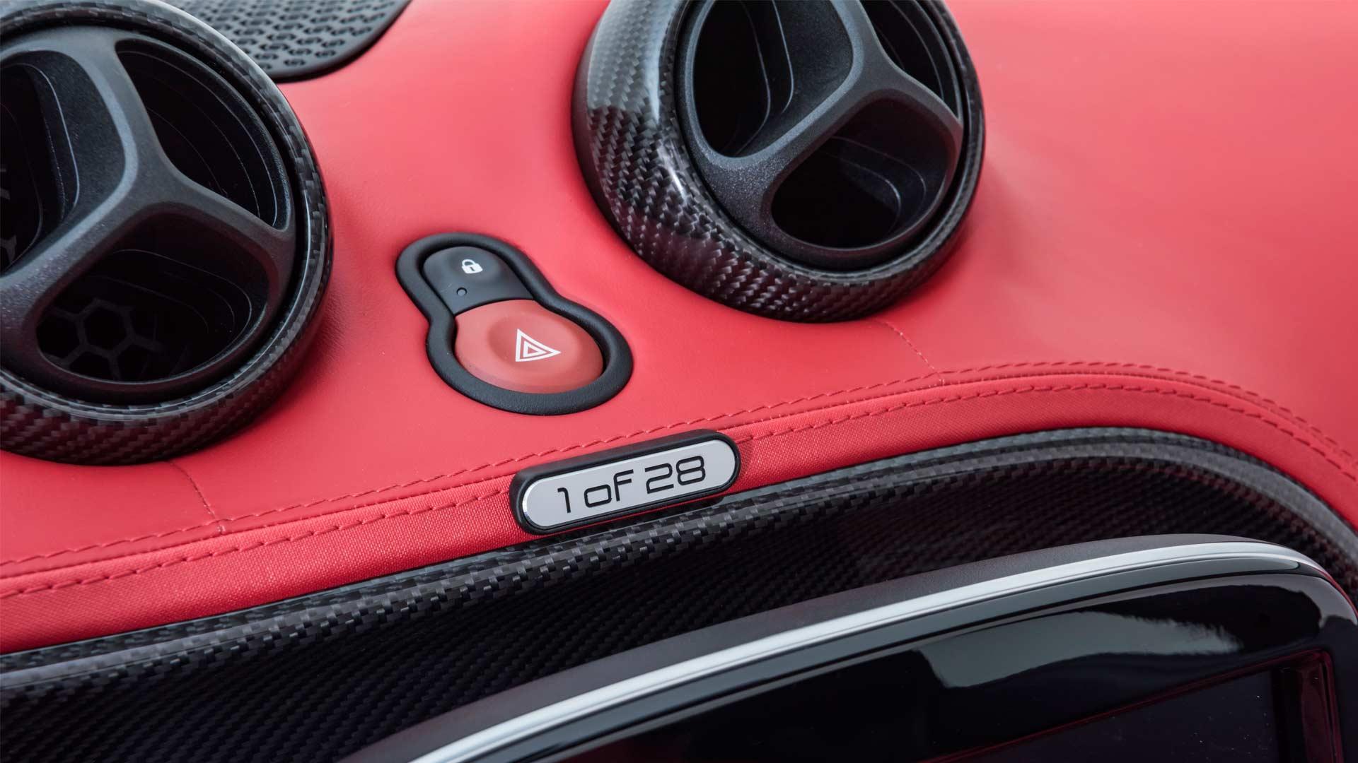 Brabus Ultimate E Shadow Edition smart EQ fortwo cabrio Interior_3