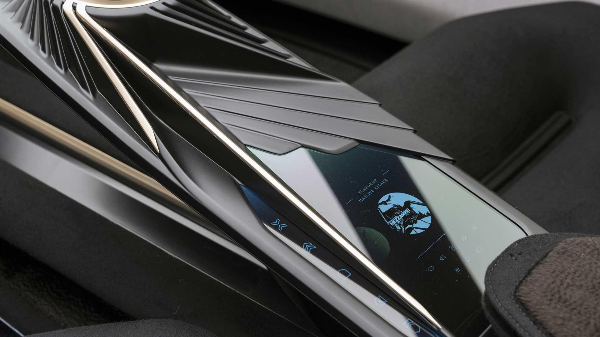 Lagona All Terrain Concept SUV Interior Centre Console