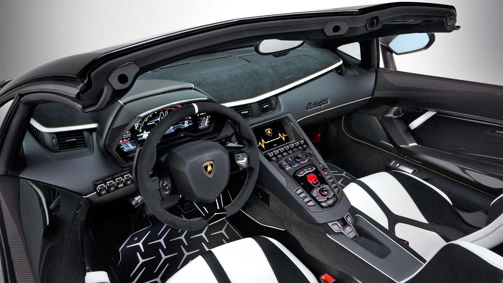 Lamborghini Aventador SVJ Roadster-Interior