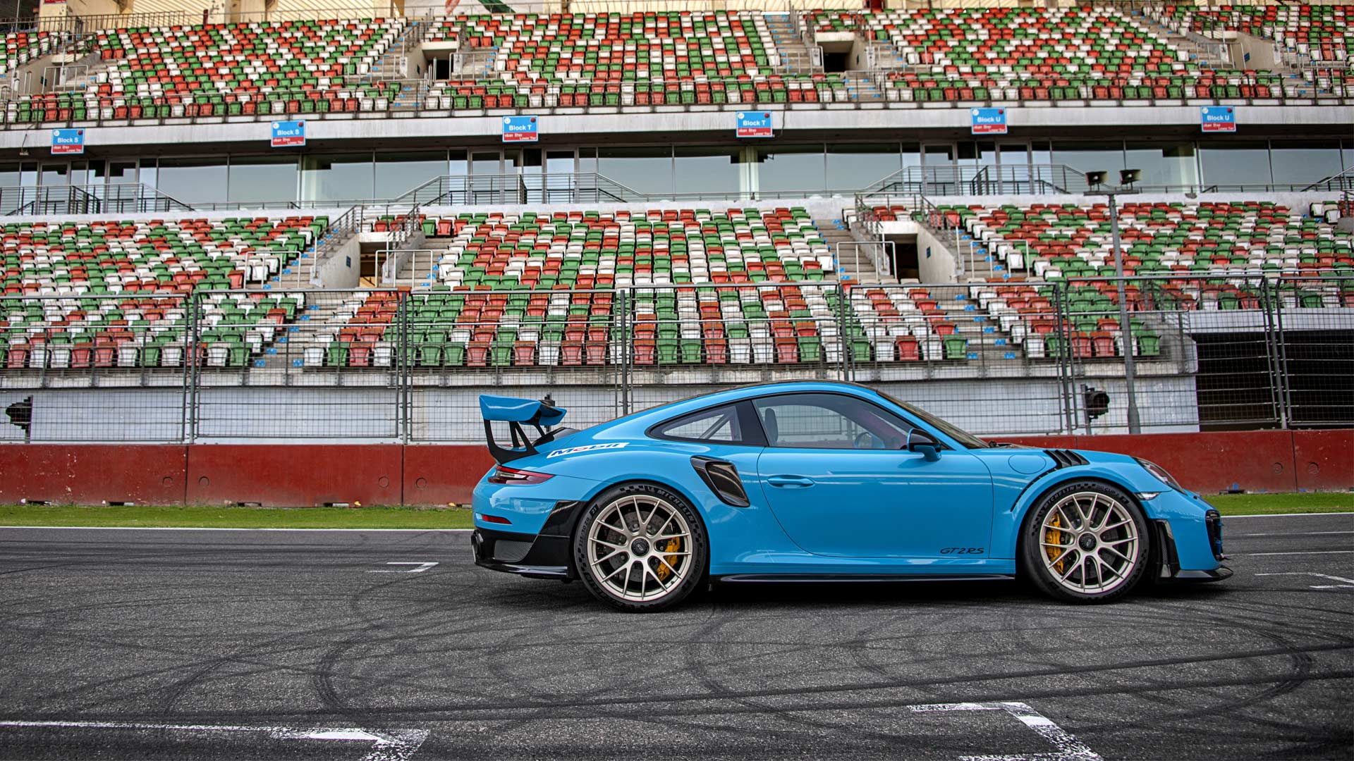 Porsche-911-GT2-RS-Buddh-International-Circuit-lap-record_2
