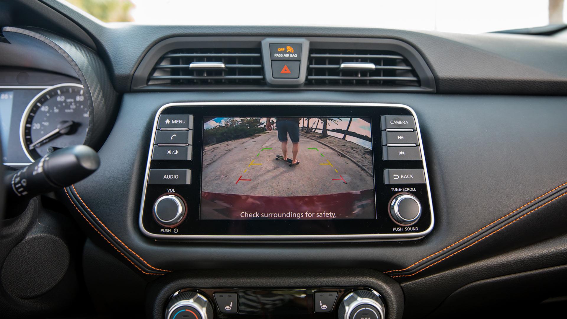 2020-Nissan-Versa-Interior-Infotainment-System