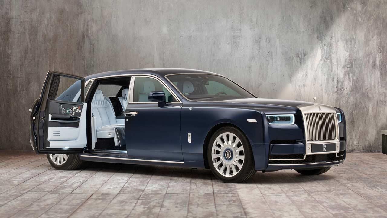This Rolls Royce Phantom Is Full Of Roses Autodevot