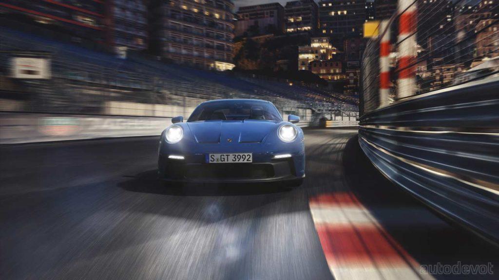 2021-Porsche-911-GT3_front
