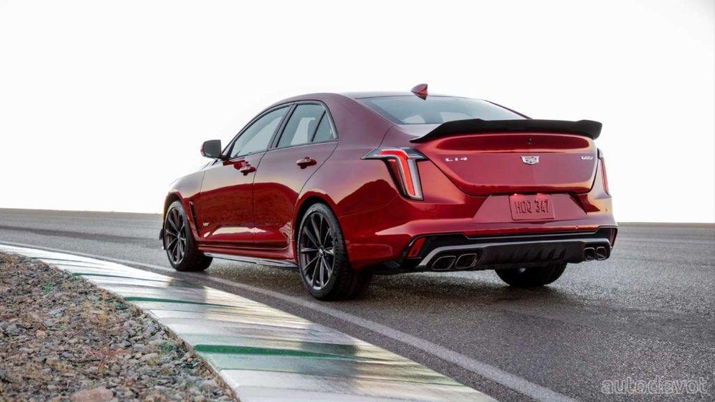 2022-Cadillac-CT4-V-Blackwing_3