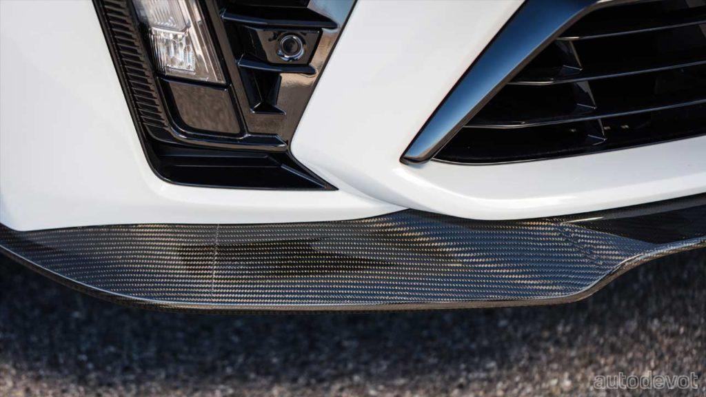 2022-Cadillac-CT5-V-Blackwing_front_splitter