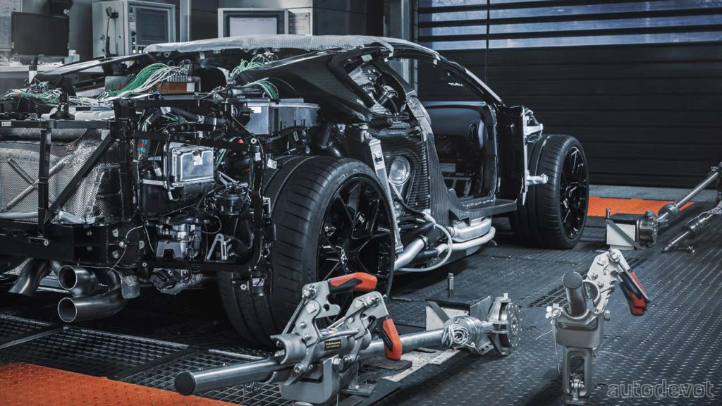 Bugatti-Centodieci-development-prototype_7