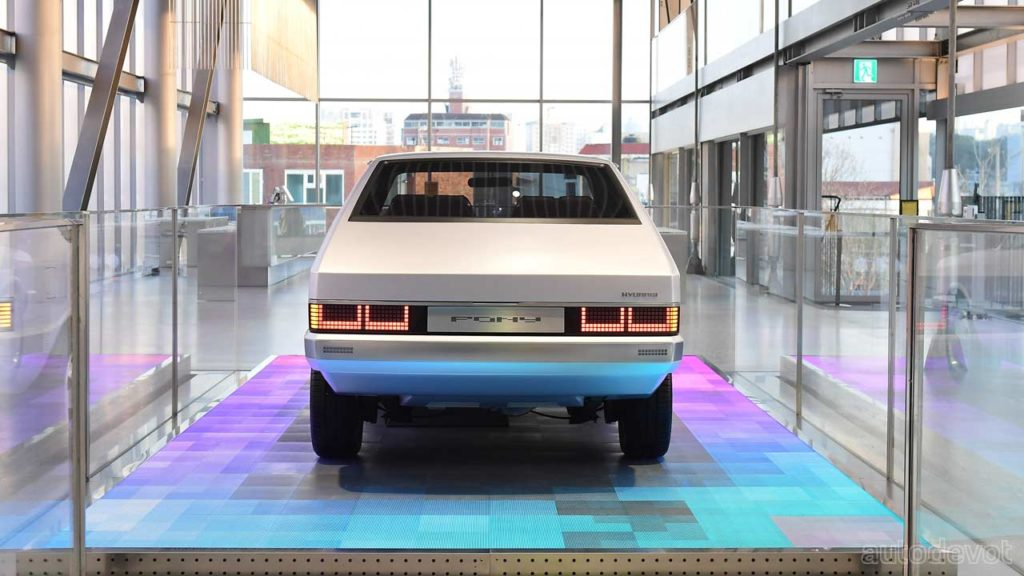 Hyundai-Heritage-Series-PONY-concept_rear