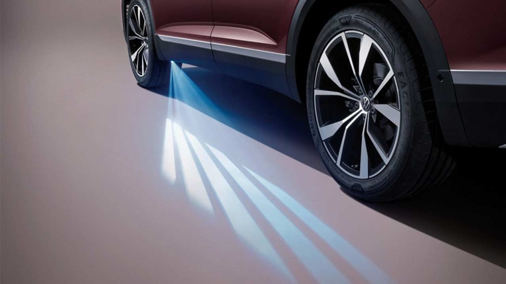 Volkswagen-Talagon-SUV-for-China_light_projection