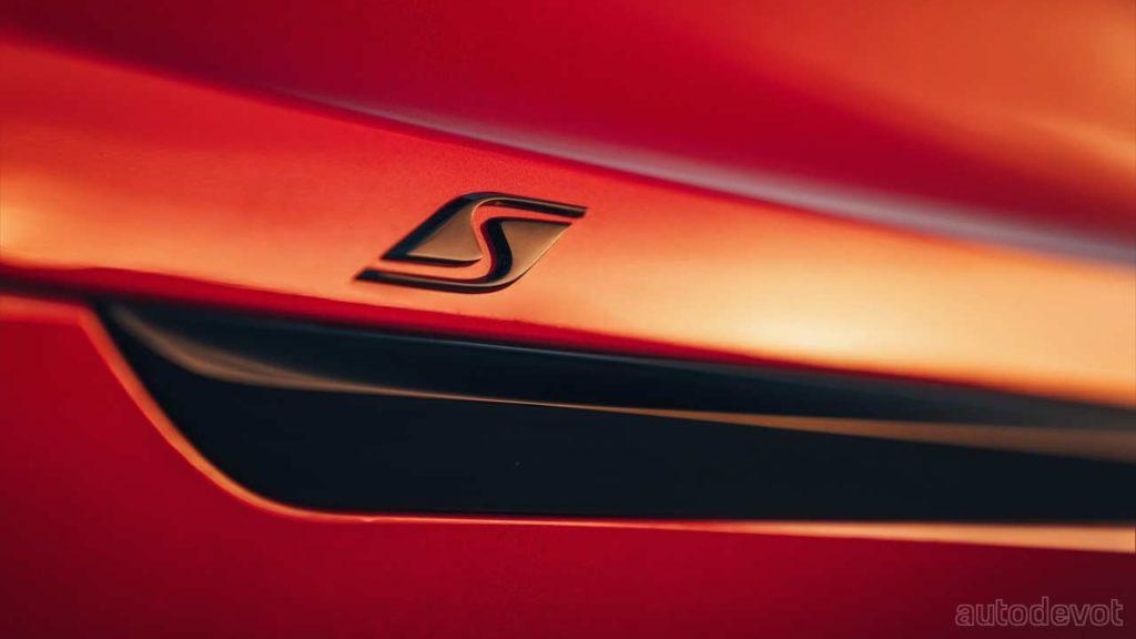 2022-Bentley-Bentayga-S_badge