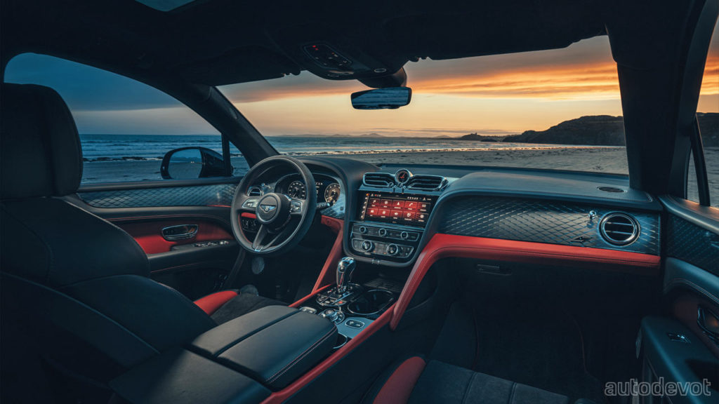 2022-Bentley-Bentayga-S_interior