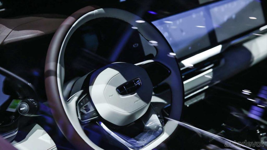 Geely-Xingyue-L_interior