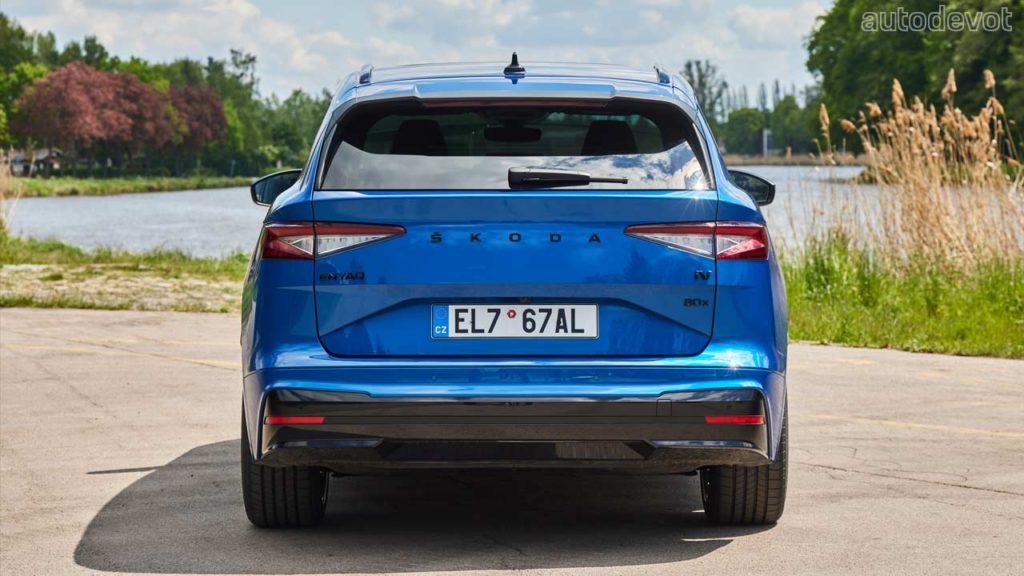 Skoda-Enyaq-Sportline-iV_rear