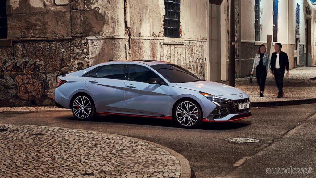 2022-Hyundai-Elantra-N