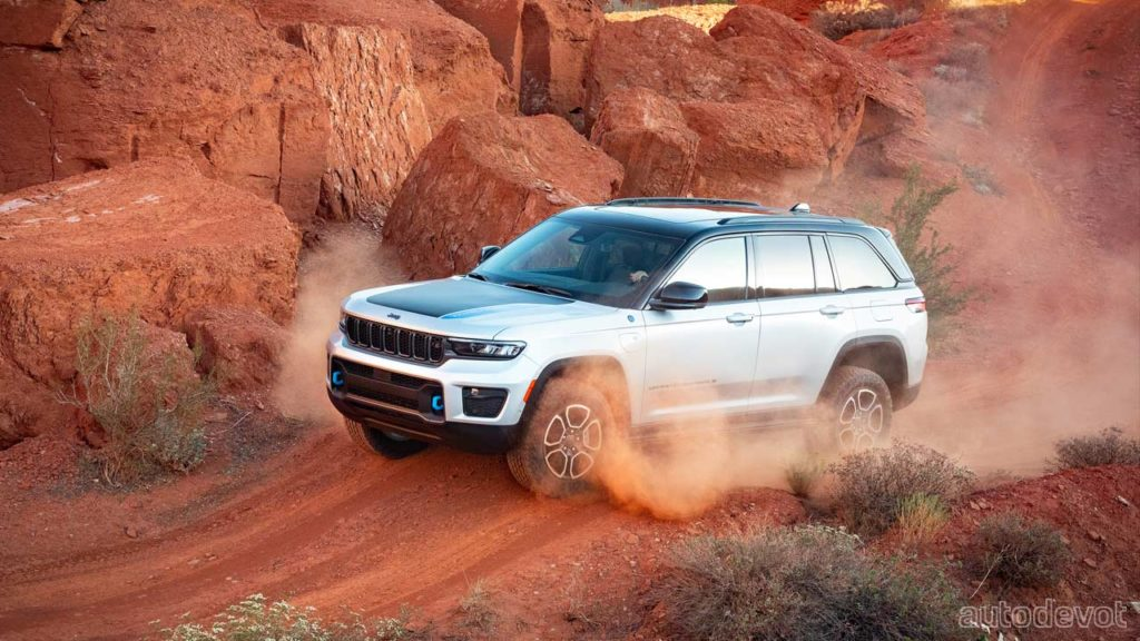 2022-Jeep-Grand-Cherokee-Trailhawk-4xe